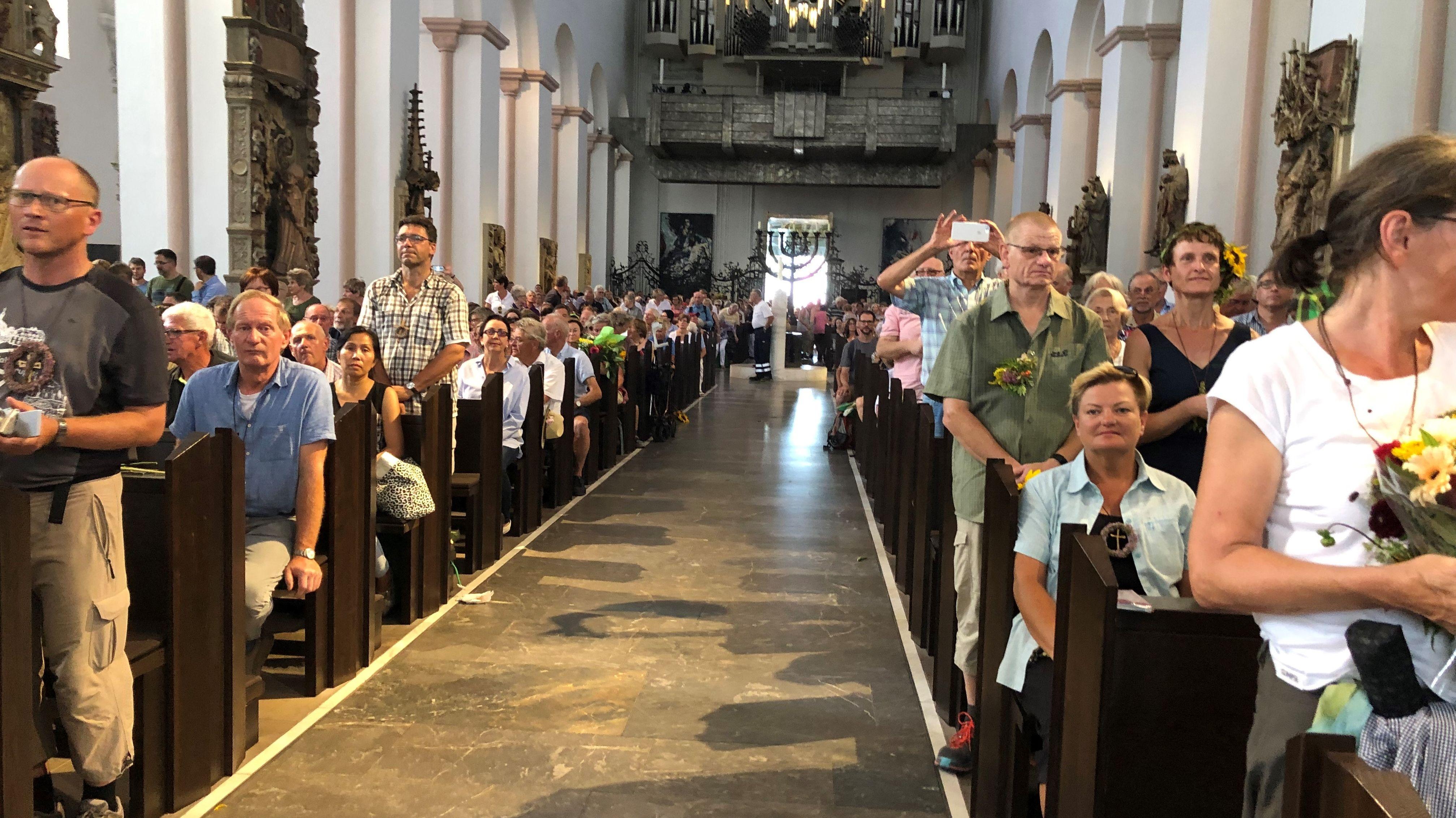 Die Wallfahrt endete im gut gefüllten Würzburger Kiliansdom mit einem Segensgottesdienst.
