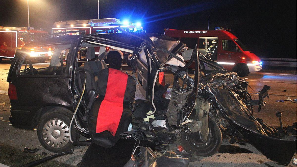 Foto von der Unfallstelle auf der A99 in der Nacht zum 18.11.2020.