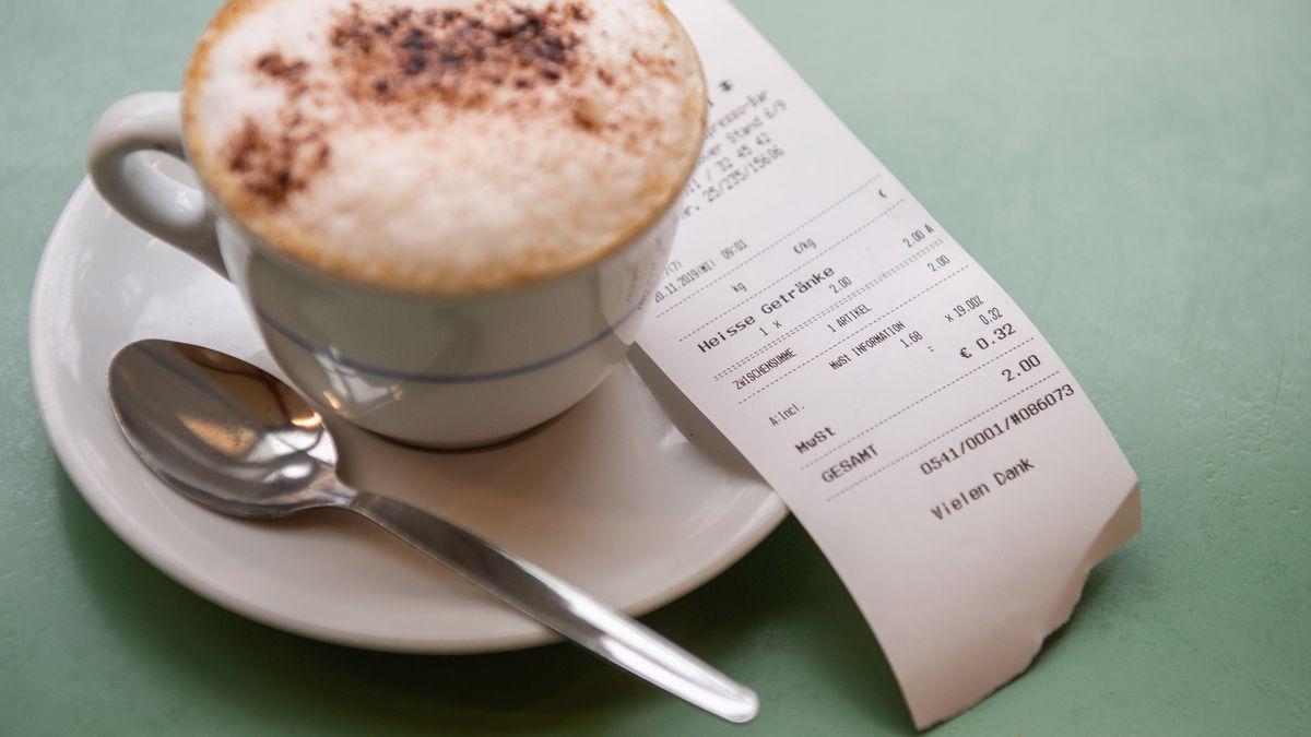 Cappuccino mit Kassenbon