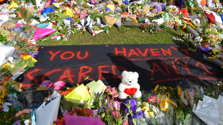 Moscheen erinnern in Neuseeland an die Opfer des Anschlags in Christchurch vor einem Jahr.