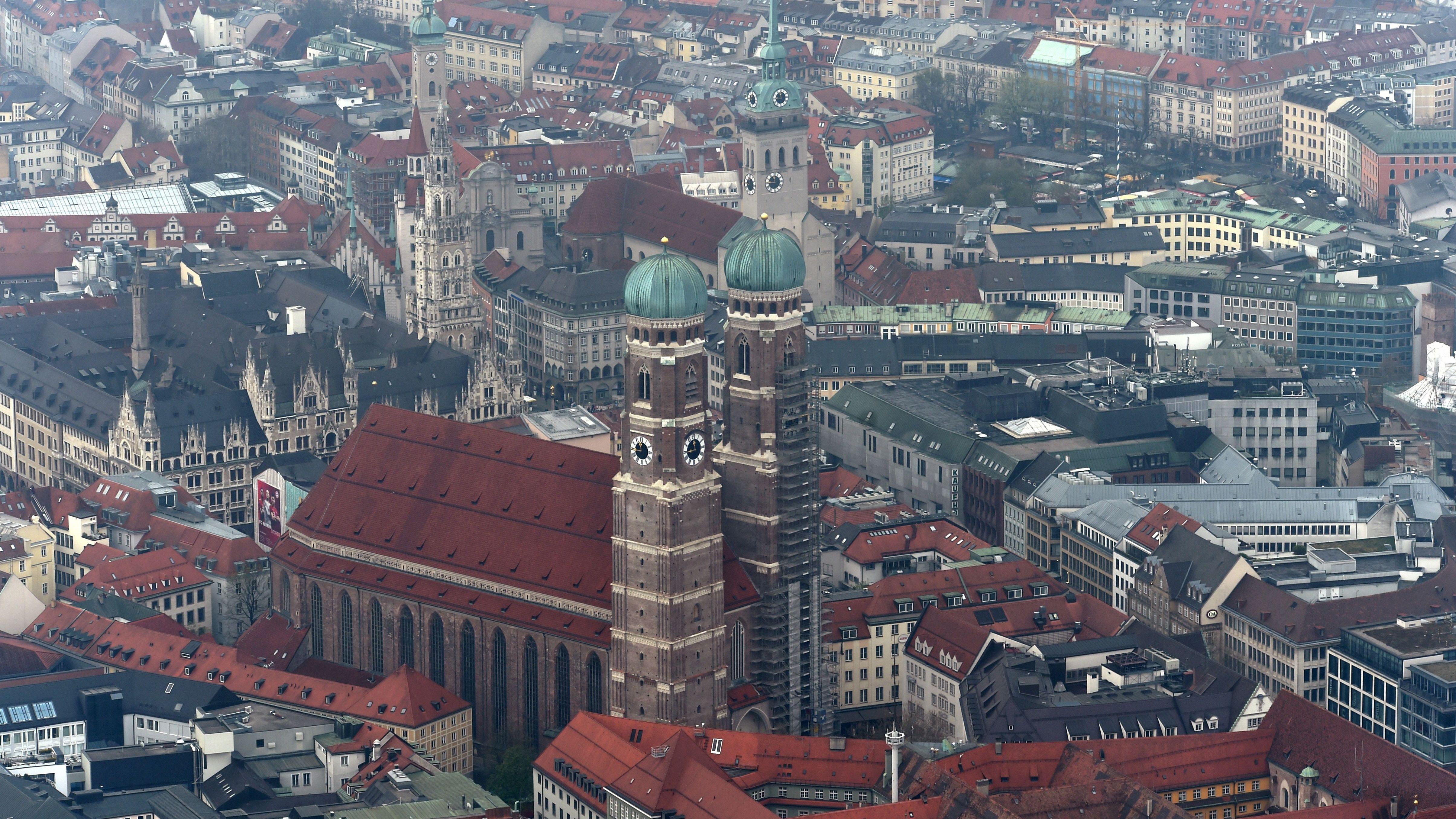 München: Aufnahmen aus einem Zeppelin bei einem Rundflug (Archiv)