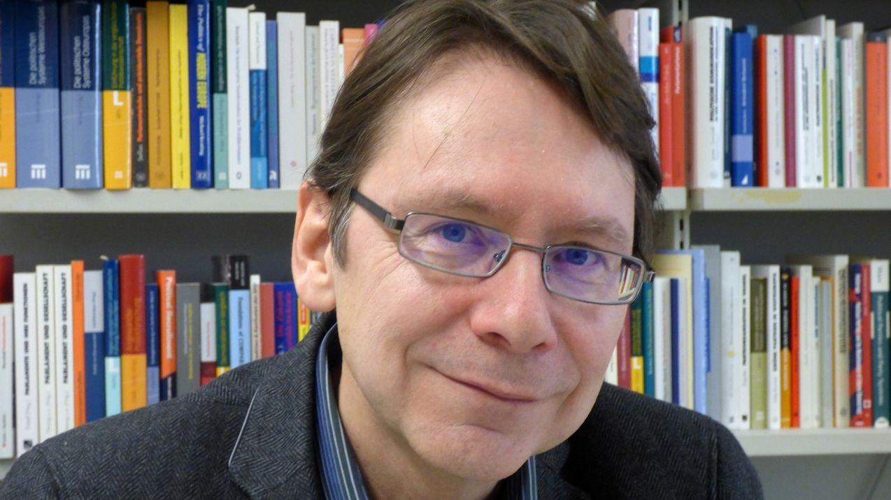 Uwe Jun, Politikwissenschaftler