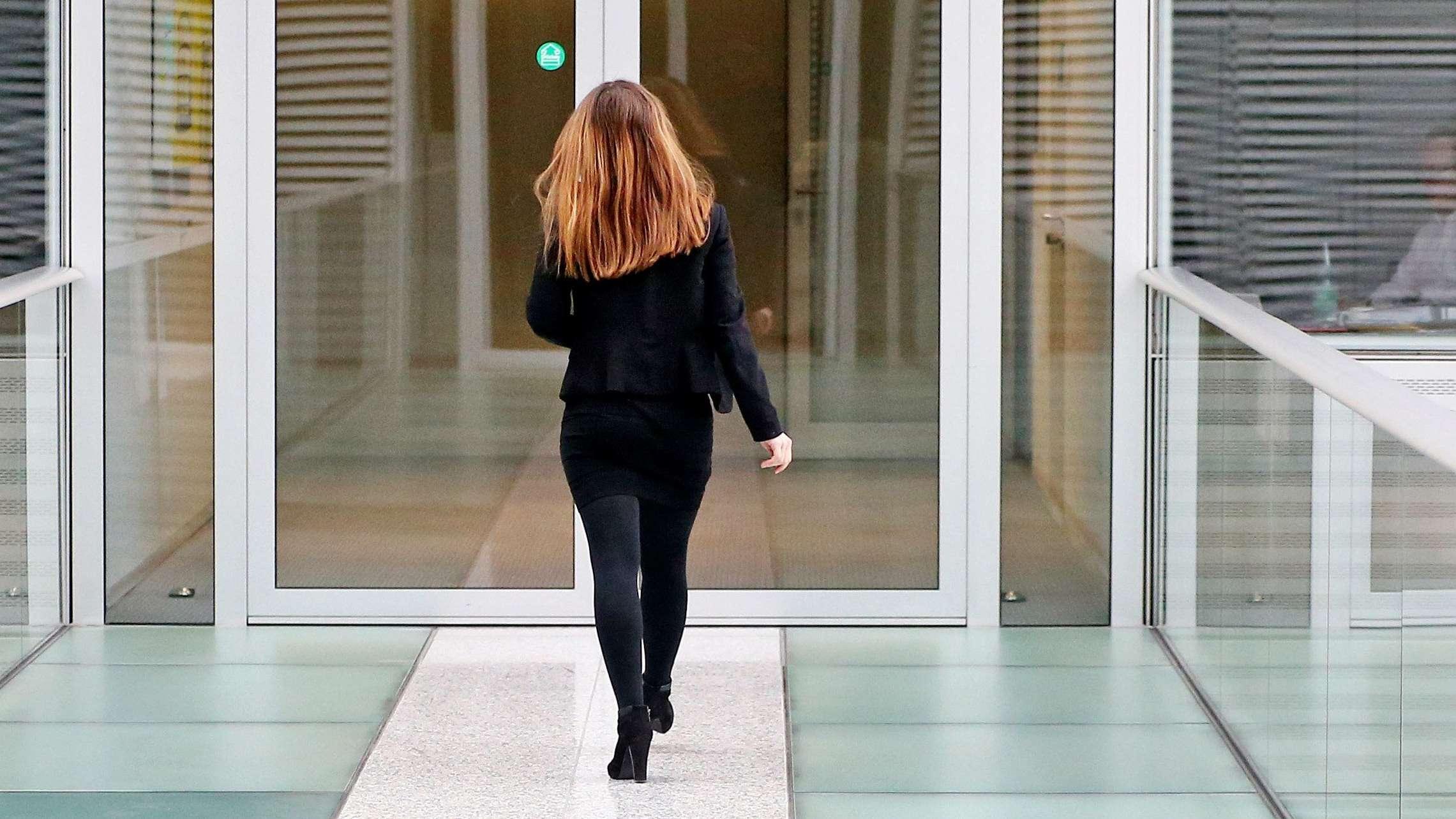 Frau in Unternehmen