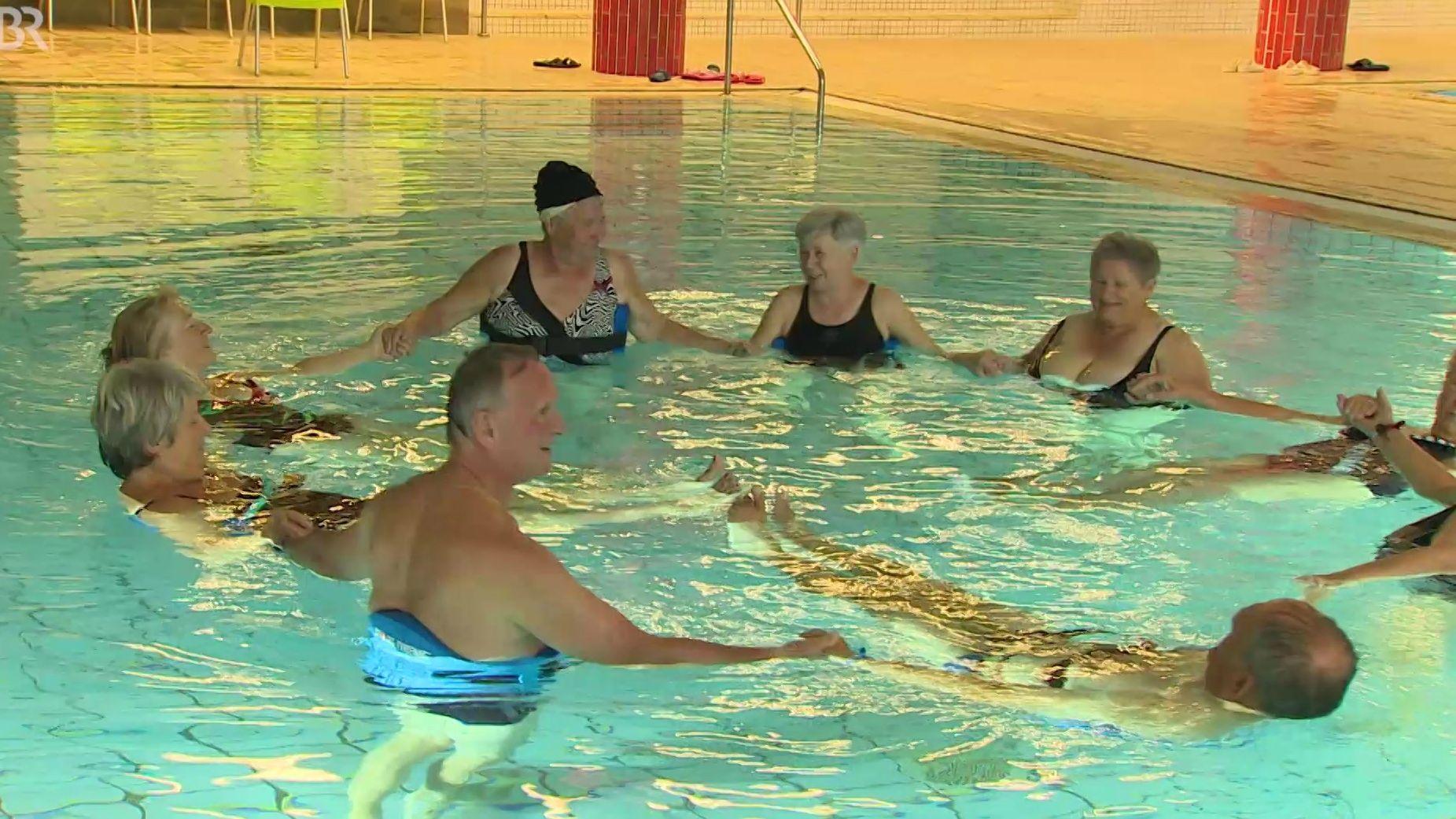 Seniorenschwimmkurse sollen in Nürnberg Badeunfälle vorbeugen
