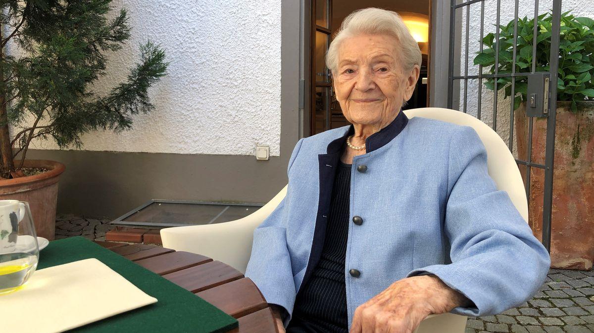 Hildegard Anke fordert auch mit 99 Jahren noch mehr Frauen in der Politik.