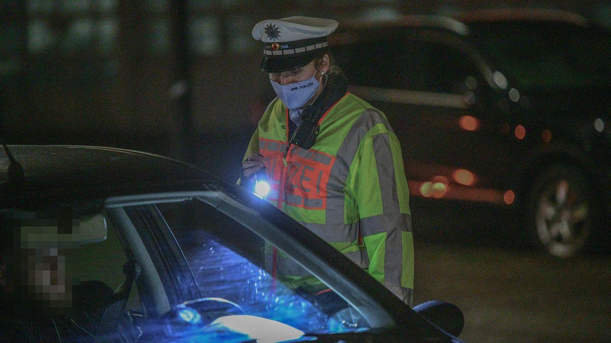 Polizeikontrolle (Symbolbild)