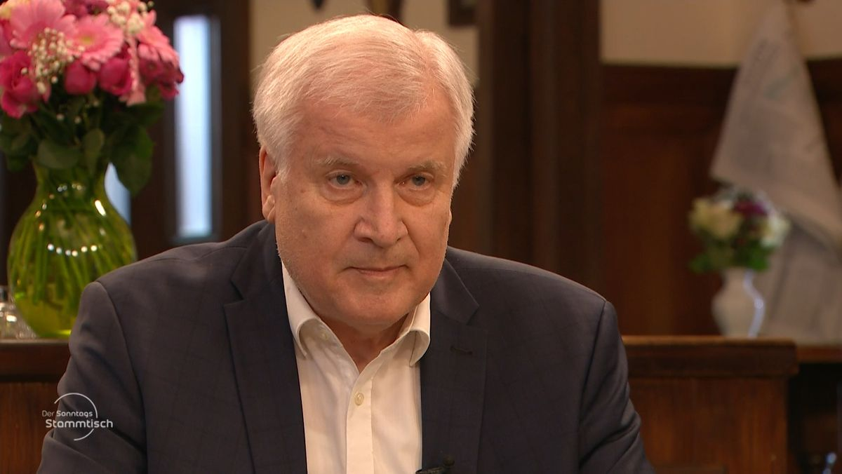 Bundesinnenminister Horst Seehofer (CSU) beim BR Sonntags-Stammtisch