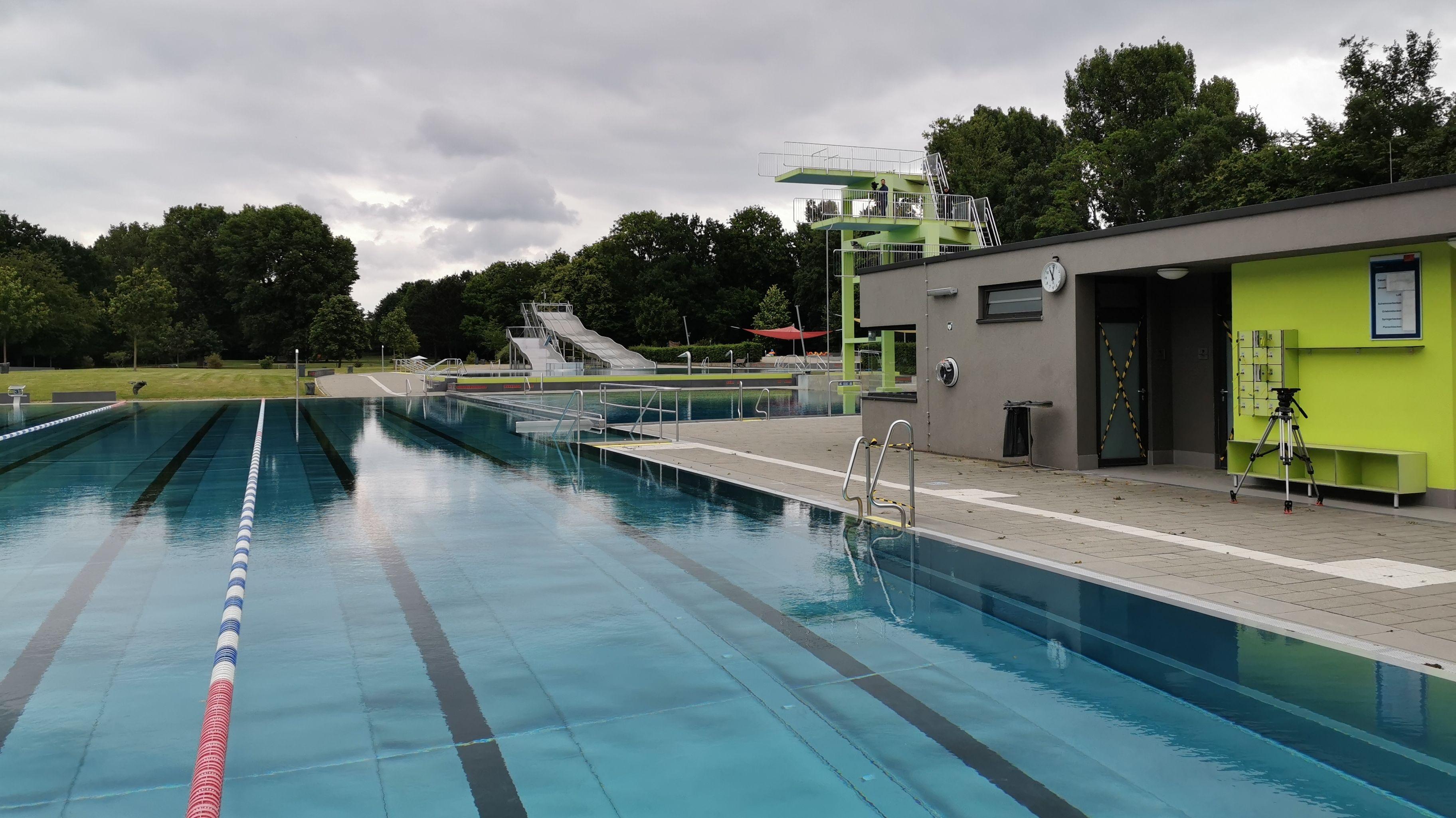 Das Schwimmerbecken im Nürnberger Westbad