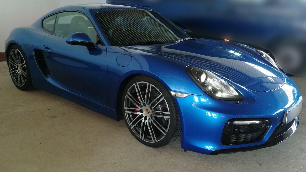 Der beschlagnahmte Porsche, der bei dem illegalen Rennen dabei gewesen sein soll