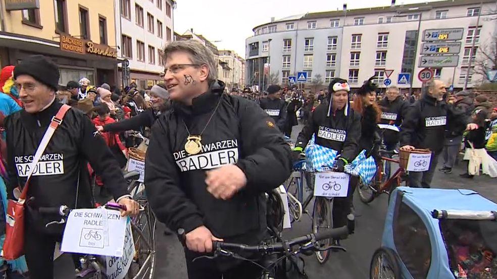 Ortsgruppen von CSU, die Grünen und ÖDP nahmen am Faschingszug in Aschaffenburg teil
