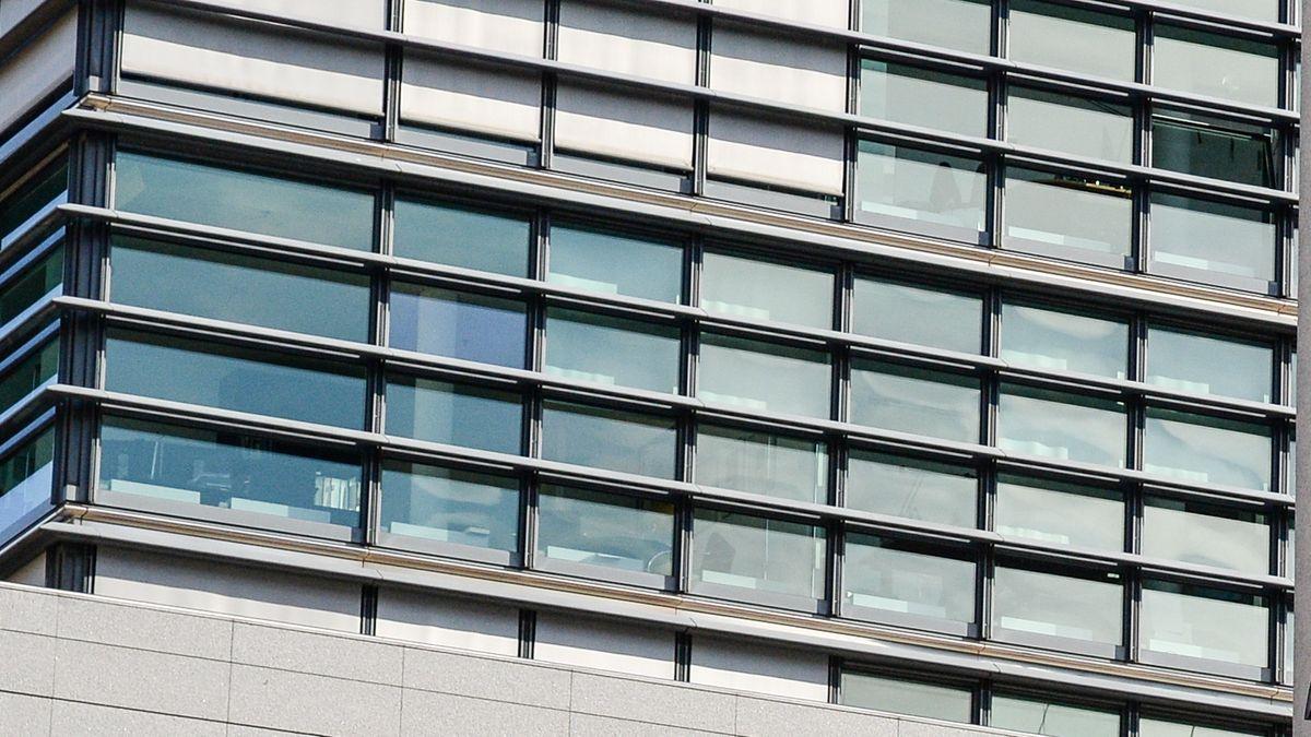 Ein Gebäude mit Glasfassade (Symbolbild)