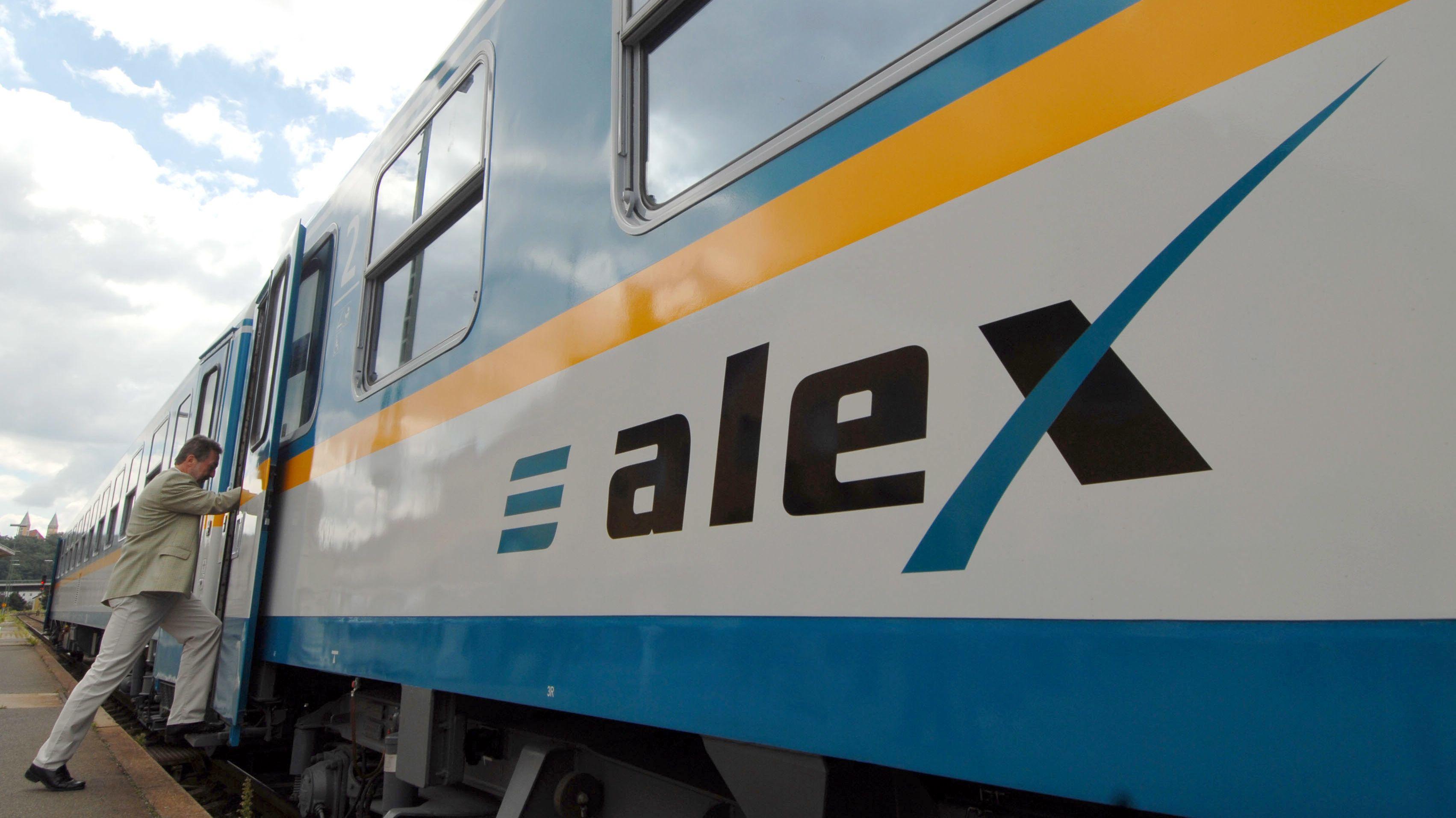 Ein alex-Zug der Länderbahn