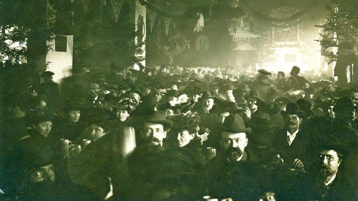 Historisches Bild vom Starkbieranstich