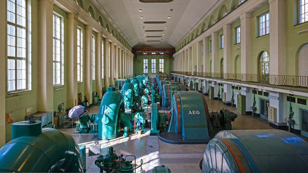 Der Maschinenraum im Walchenseekraftwerk