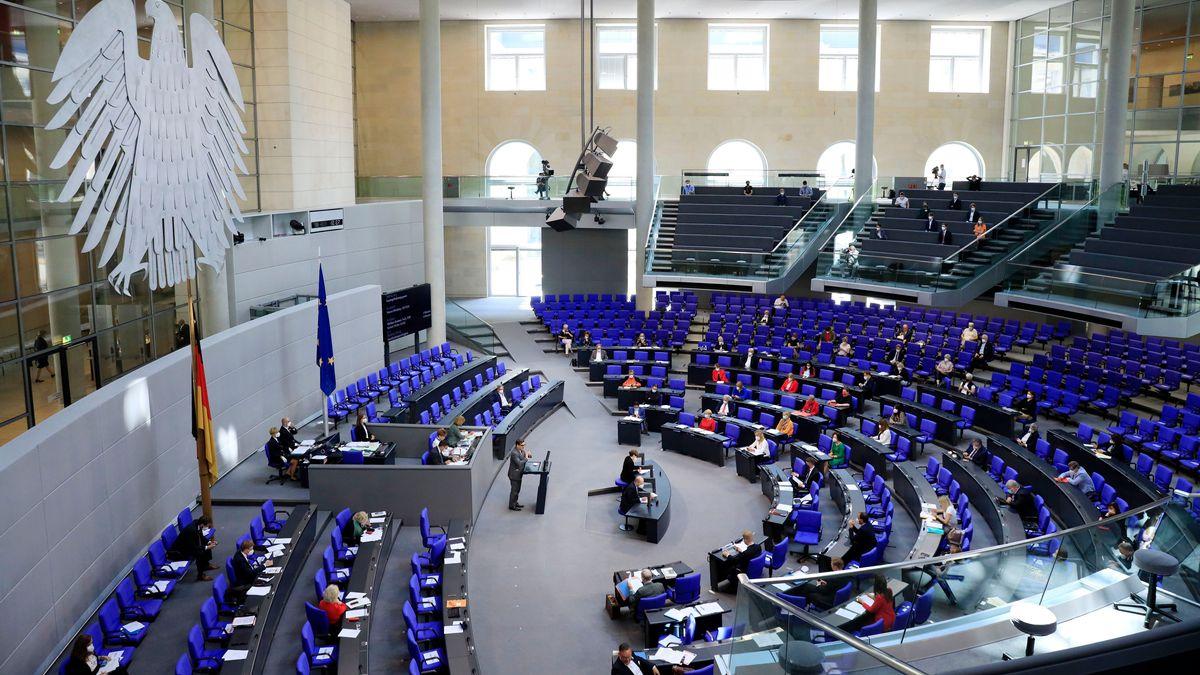 Sitzung des Deutschen Bundestages zur Fortsetzung der epidemischen Lage