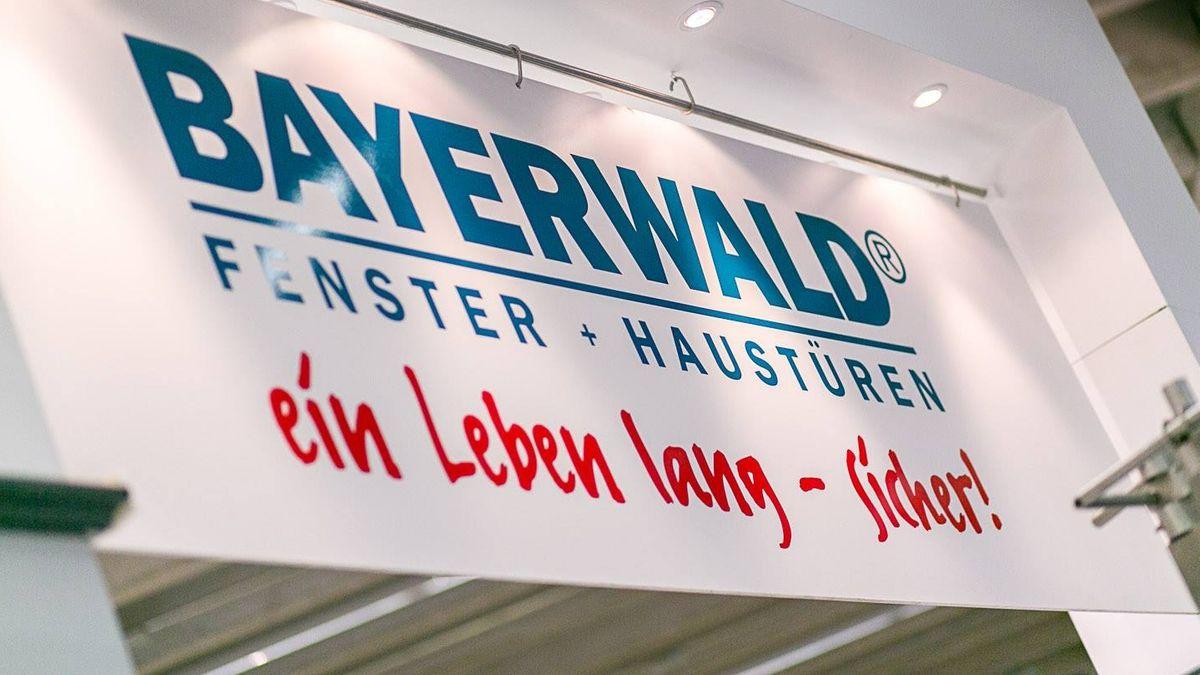 Logo der Firma Bayerwald Fenster und Türen