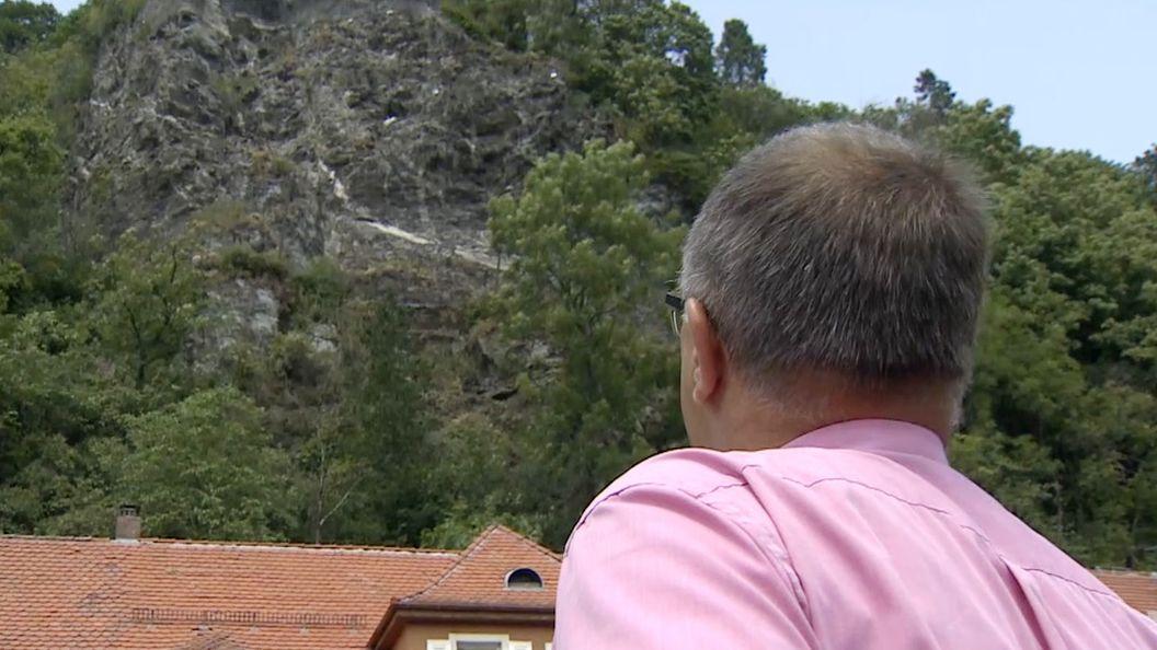 Der bedrohliche Felsen über Bad Berneck