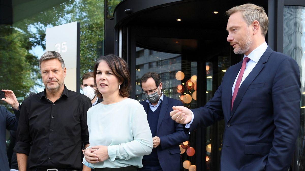 von links nach rechts: Robert Habeck und Annalena Baerboeck (Grüne) und Christian Lindner (FDP)