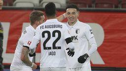 Ruben Vagas erlöst den FCA mit seinem Treffer zum 1:1 | Bild:imago images / poolfoto
