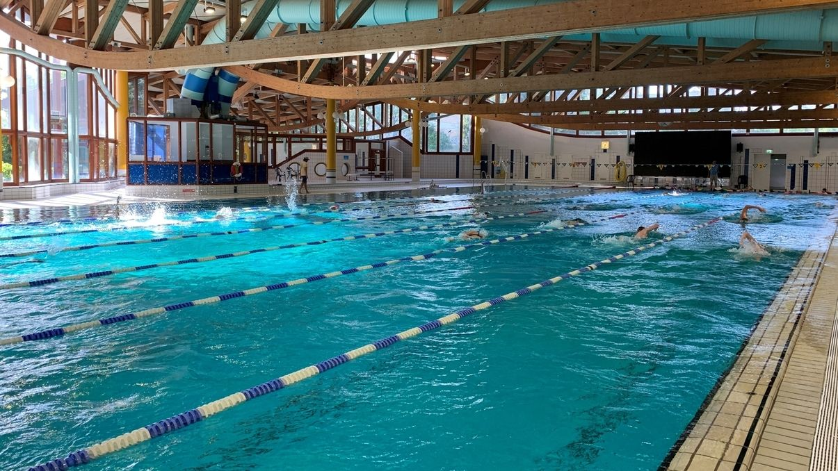 Schwimmer beim Training in Erlangen