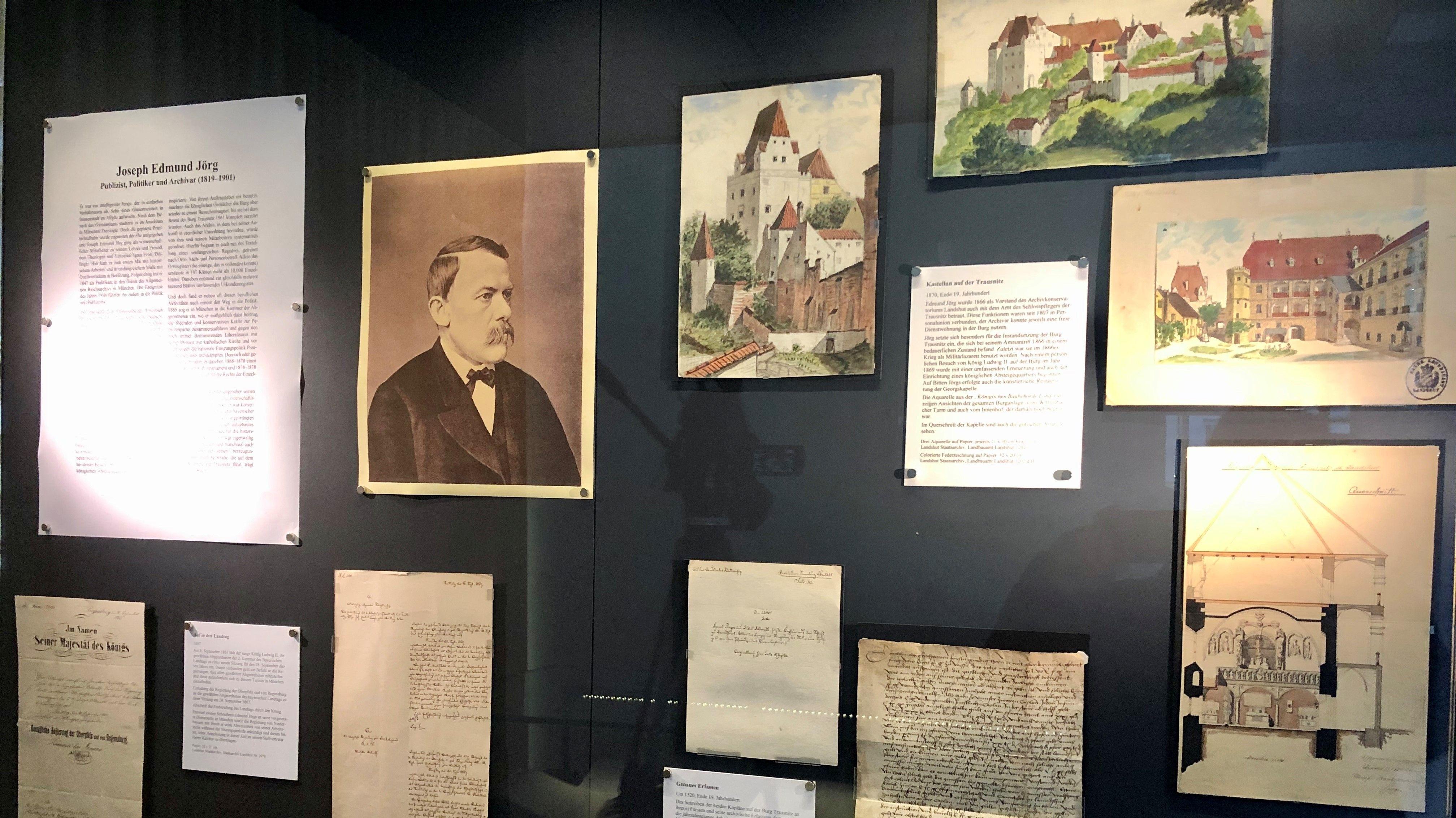 Die Ausstellung zeigt Kommunikation von früher.
