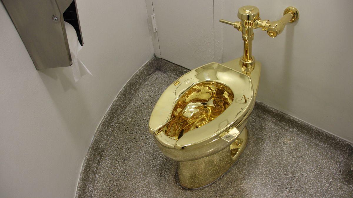 Funktionierende 18-Karat-Gold-Toilette im New Yorker Guggenheim Museum