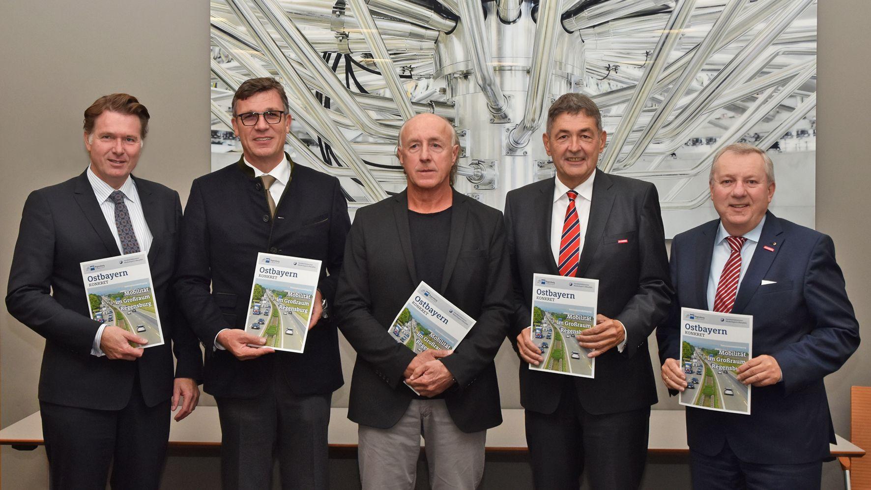 Wirtschaftsvertreter stellten die Umfrage in Regensburg vor