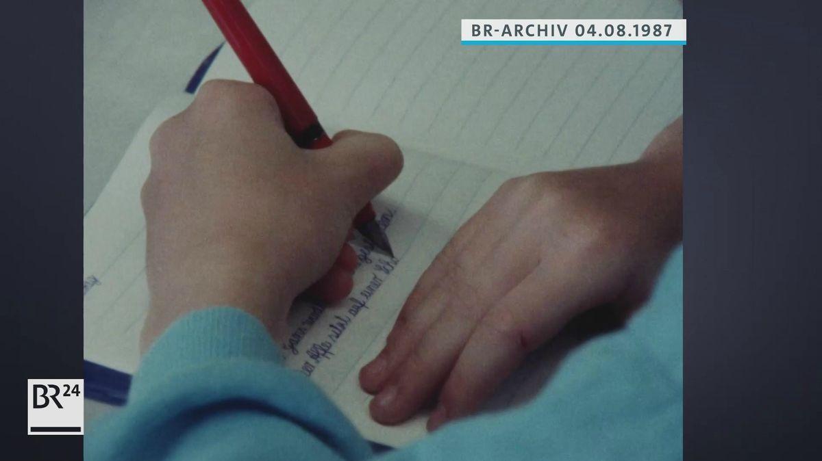 Linkshänder bei Schreibübung
