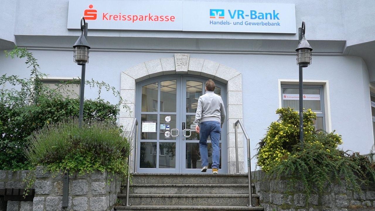 Banken müssen eisern sparen