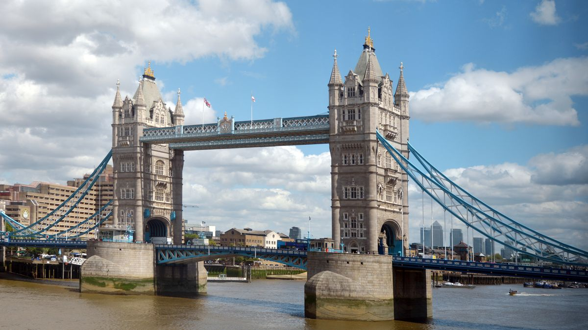 Die Tower-Bridge in London.