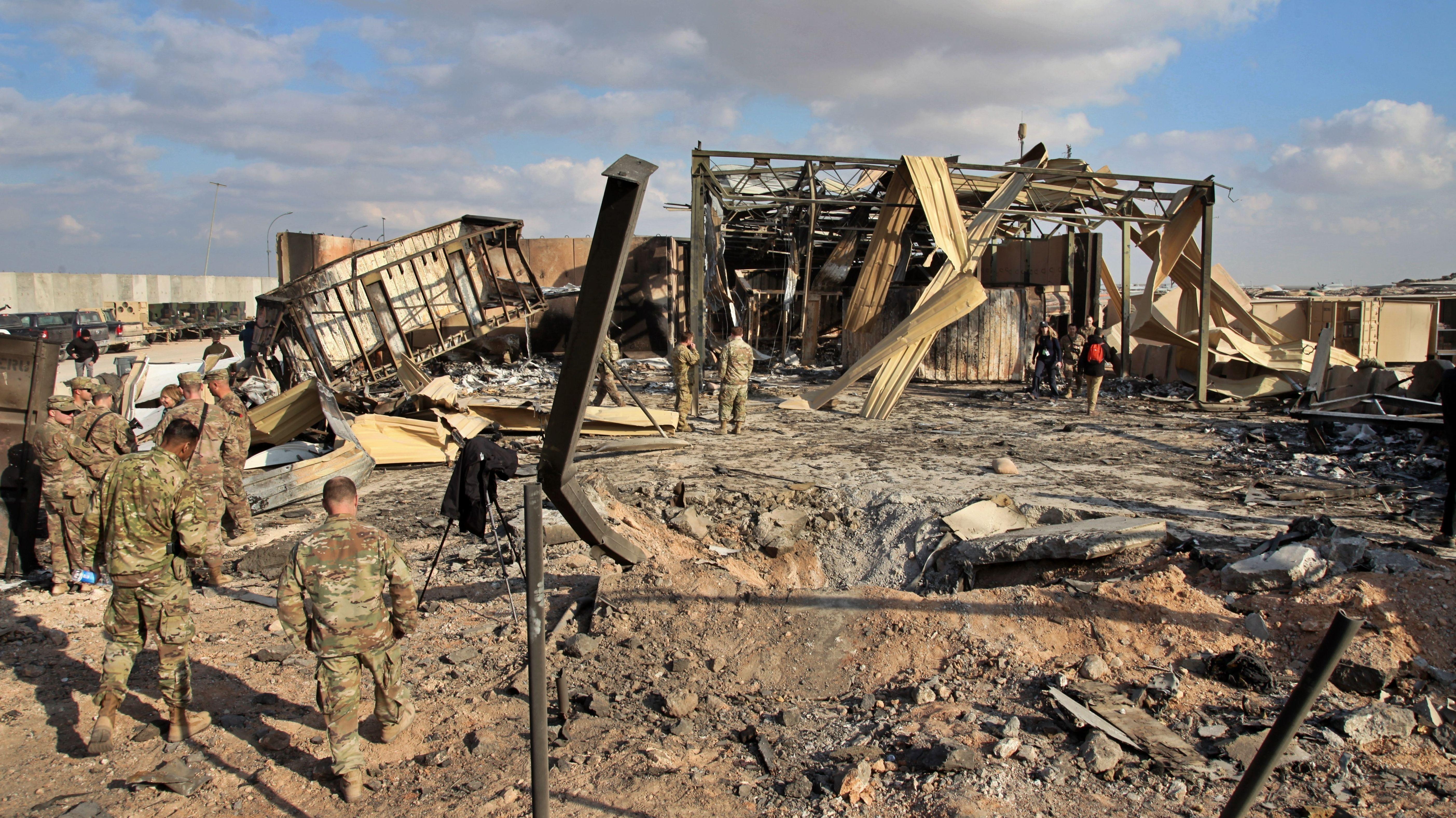 US-Soldaten in der teils zerstörten Luftwaffenbasis Ain al-Asad