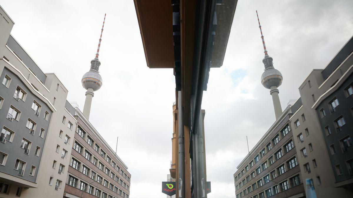 Der Fernsehturm ist in Sichtweite vieler Mietwohnungen in Berlin