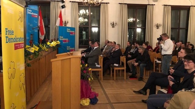 Zum Neujahrsempfang hat sich die mittelfränkische FDP in Stein bei Nürnberg getroffen. Der Empfang war als positiver Start ins Wahljahr 2020 geplant – die Stimmung unter den rund 150 FDP-Mitgliedern war gedrückt.