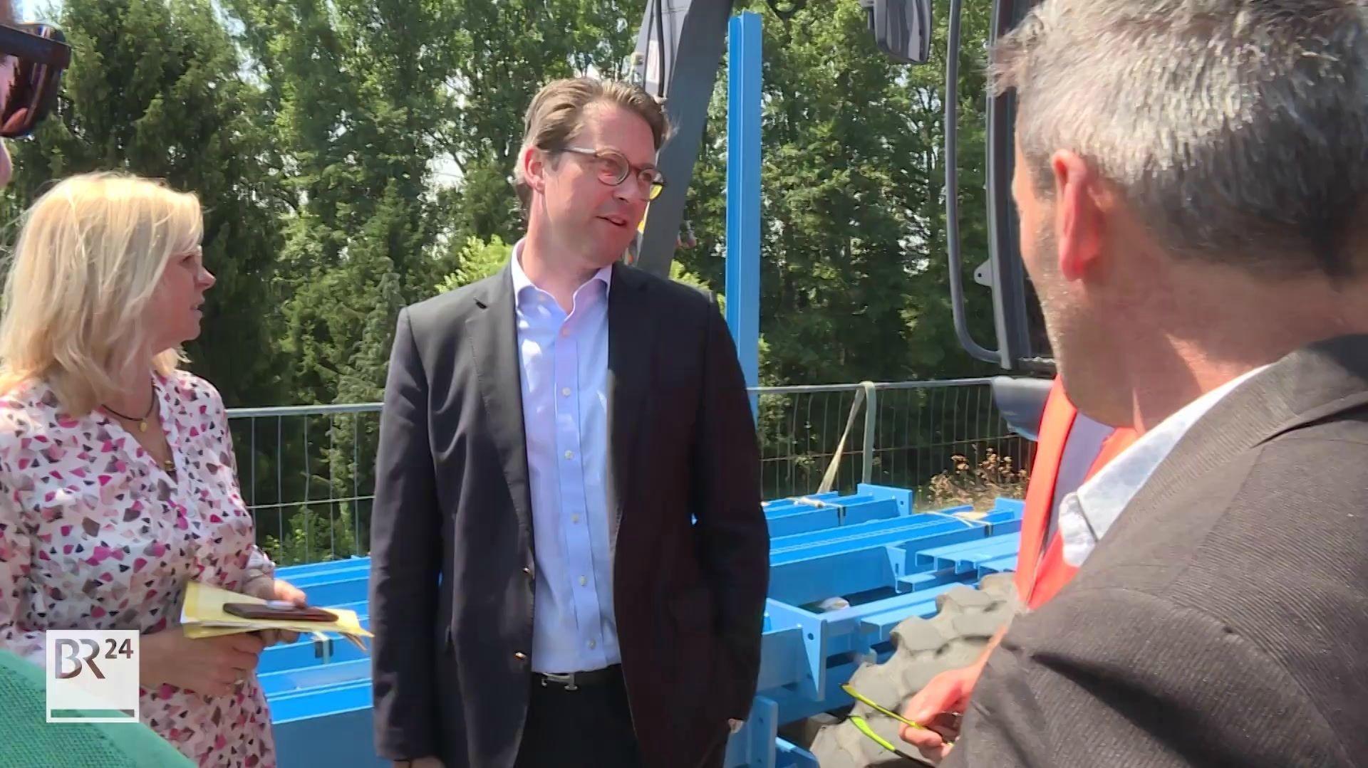 Bundesverkehrsminister Andreas Scheuer besucht die Baustelle des Pilotprojekts