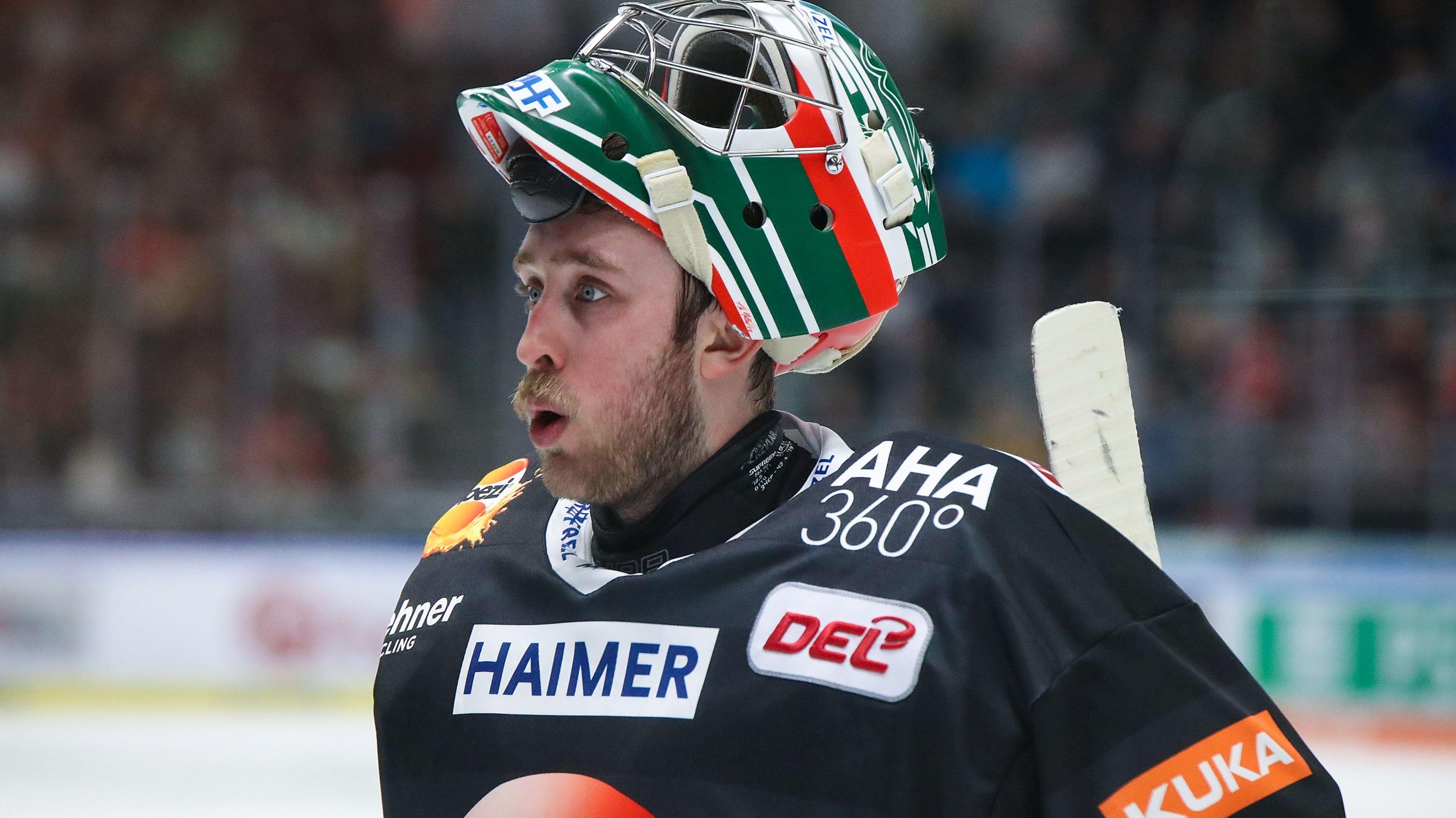 Torhüter Olivier Roy musste vorzeitig vom Eis