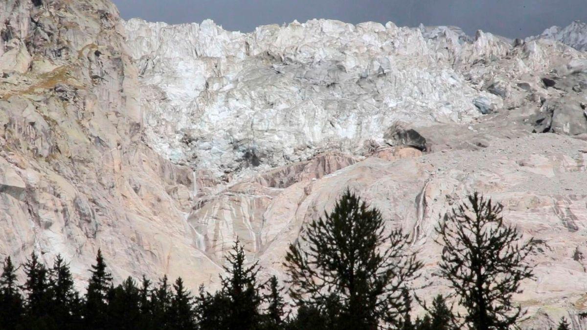 Ein Teil des Planpincieux-Gletscher droht abzubrechen.