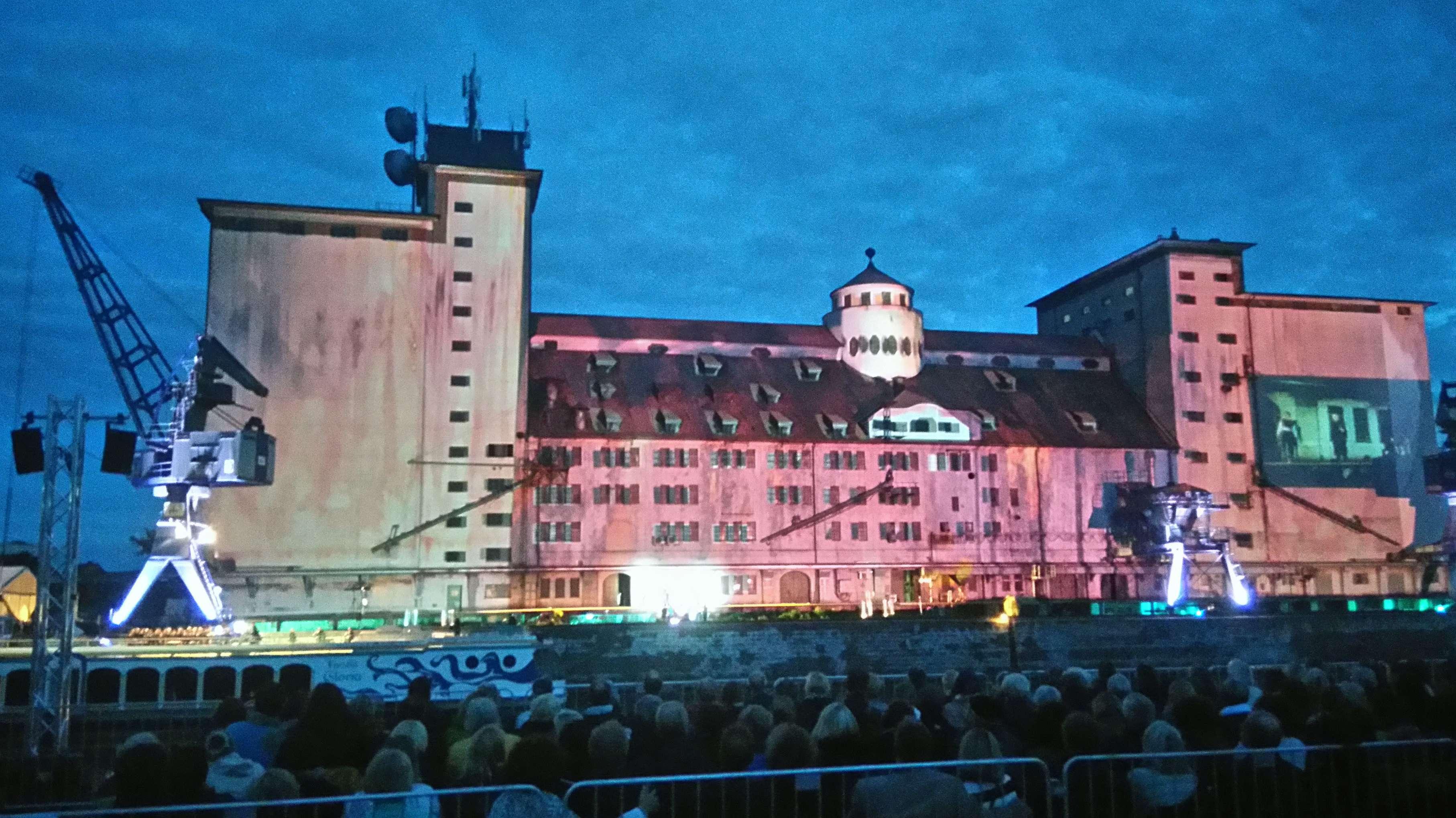 2017 diente das Stadtlagerhaus im Hafen als Kulisse für eine spektakuläre Opernaufführung: Bald sollen dauerhaft Kreative in das Gebäude ziehen.