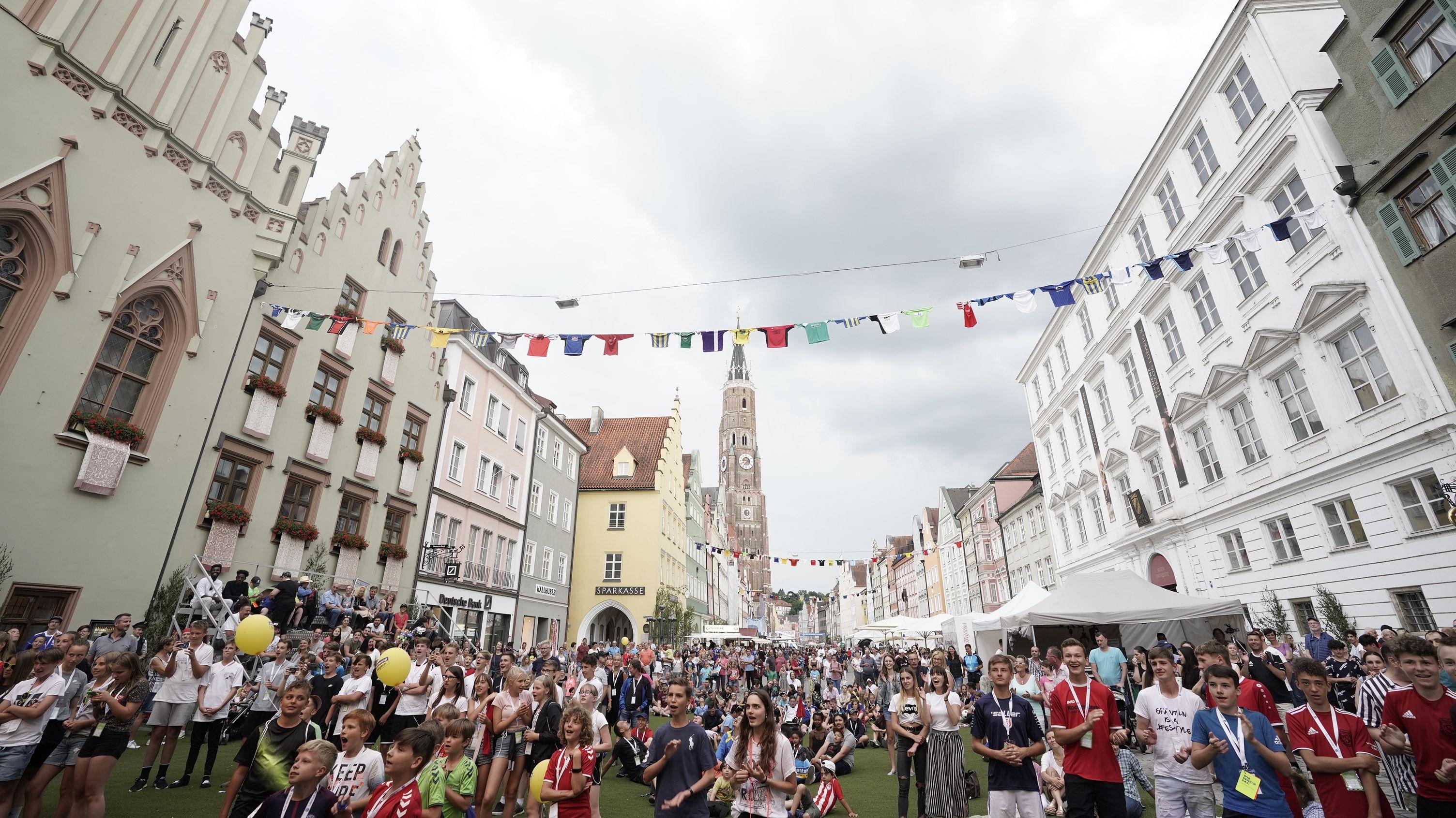 Die Fußballiade lockte rund 50.000 Zuschauer nach Landshut