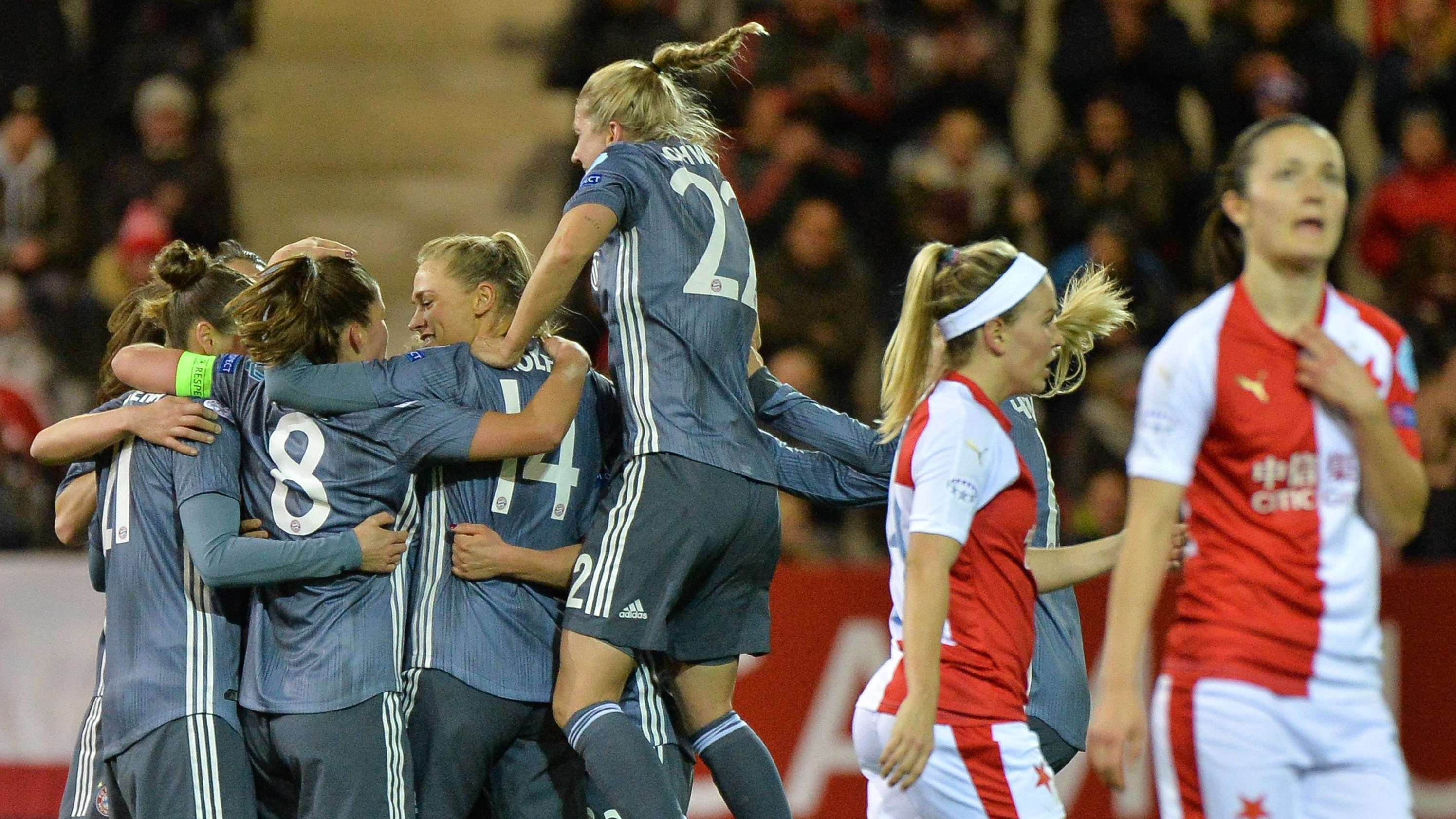 FC-Bayern-Frauen jubeln über ein Tor