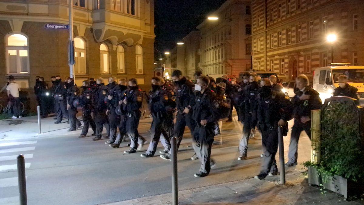 Polizeieinsatz in der Münchner Georgenstraße in der Nacht zum 20.06.2021.
