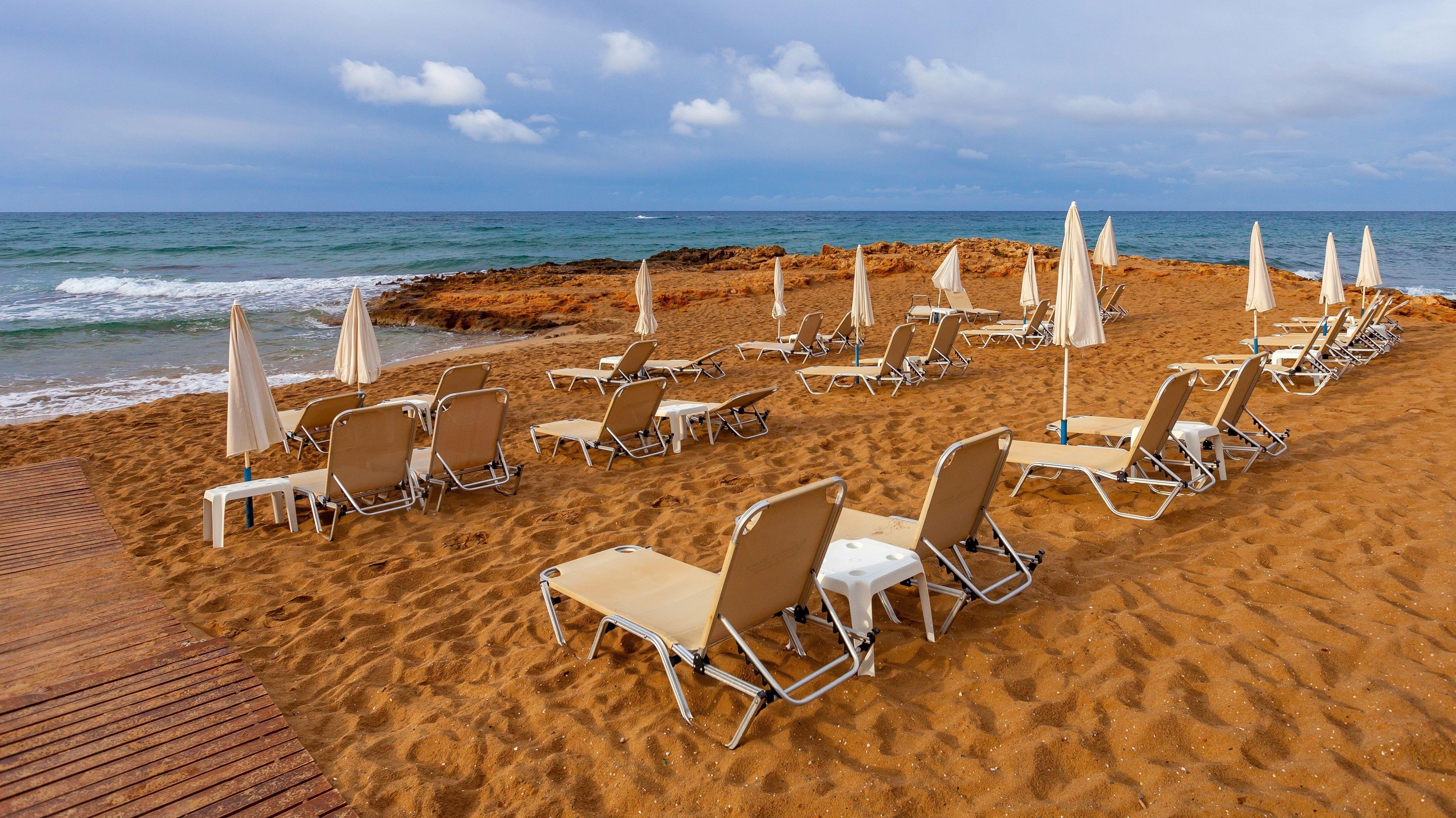 Leerer Strand auf Kreta