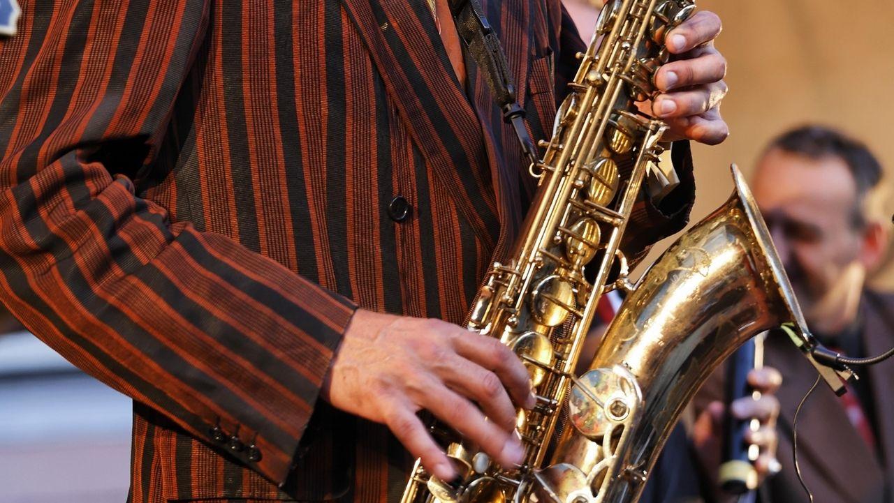 Ein Saxophonist beim Bayerischn Jazzweekend in Regensburg