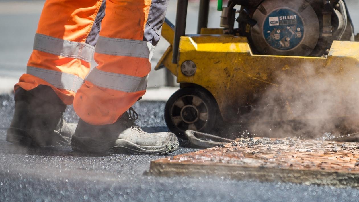 Straßenbauarbeiten - Symbolbild