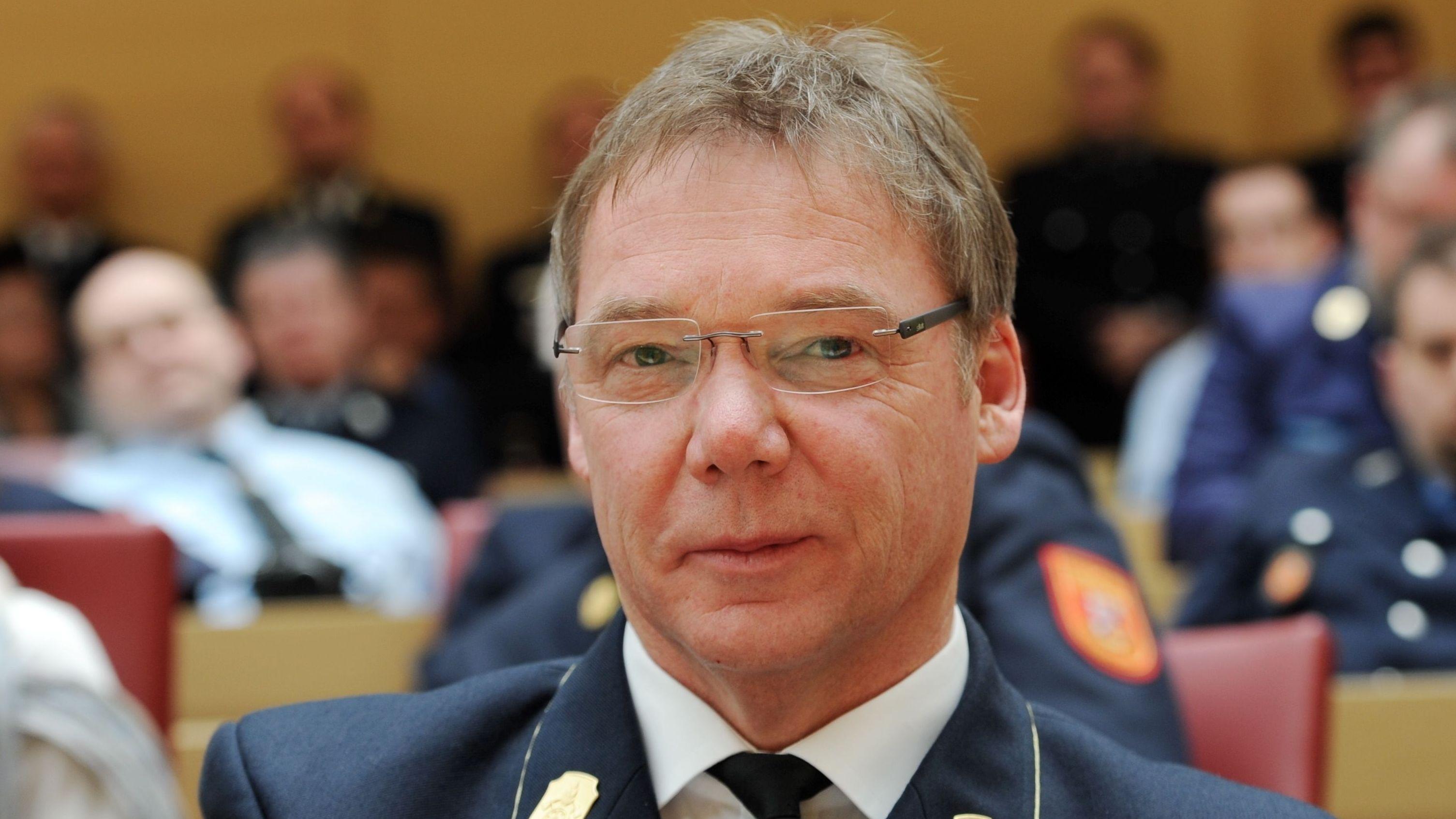 Nach 16 Jahren tritt der Vorsitzende des Landesfeuerwehrverbandes Bayern, Alfons Weinzierl, ab - aus Altersgründen.