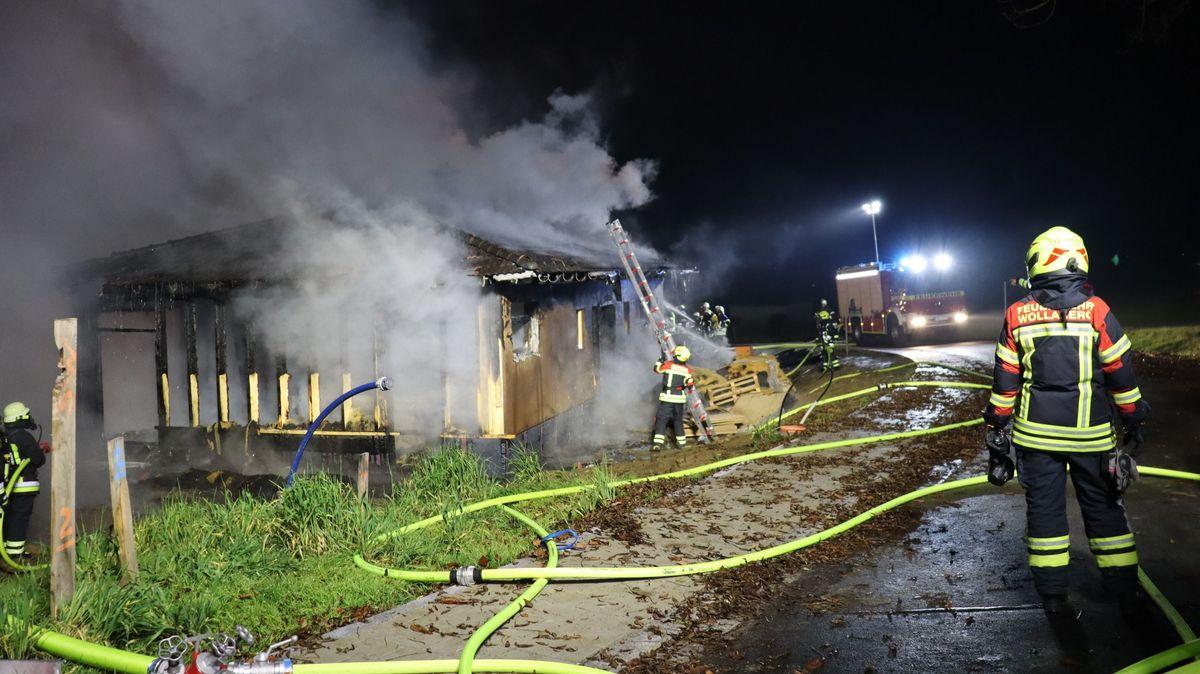 Der Holz-Bungalow brannte vollständig aus