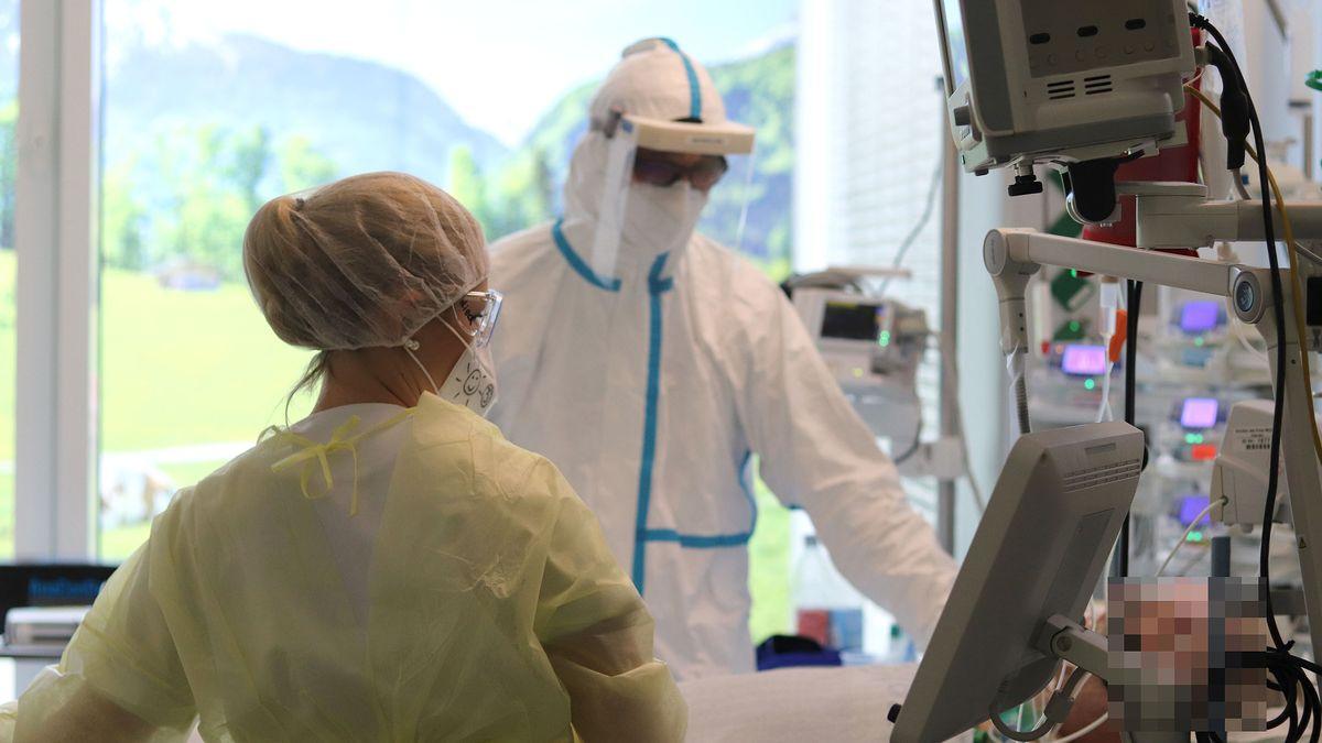 Intensivstation für Corona-Patienten (Symbolbild)