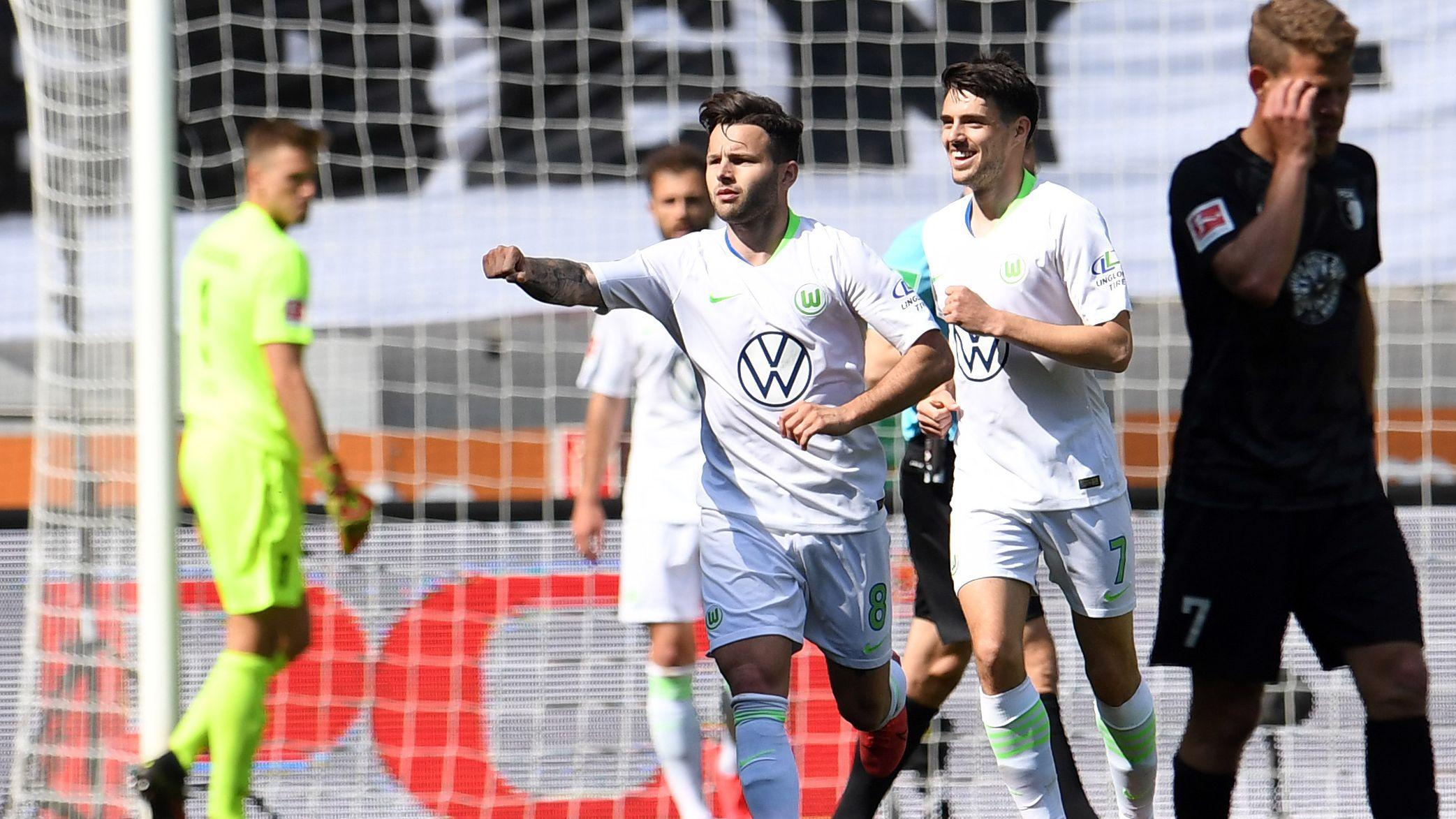 Renato Steffen bejubelt seinen Treffer zum 1:0 für den VfL Wolfsburg