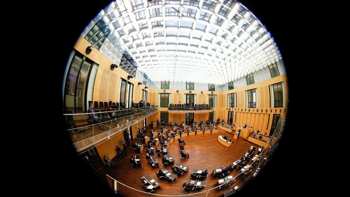 Infektionsschutzgesetz: Die Bundes-Notbremse im Bundesrat (Symbolbild)