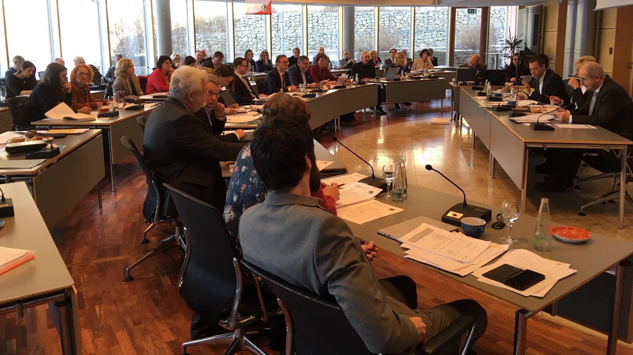 Sitzung des mittelfränkischen Bezirkstags in Ansbach