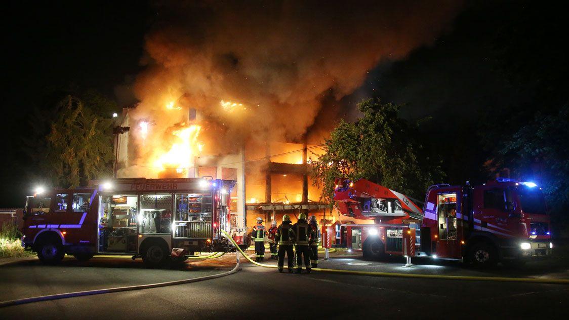 Lagerhalle in Großostheim komplett ausgebrannt